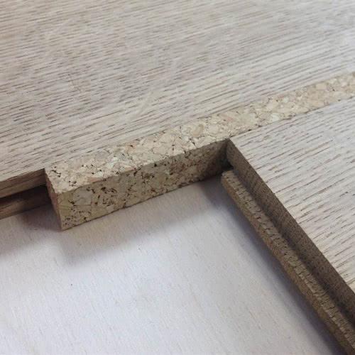 Компенсатор щелей в напольных покрытиях из пробкового дерева GRANORTE  900*15*10